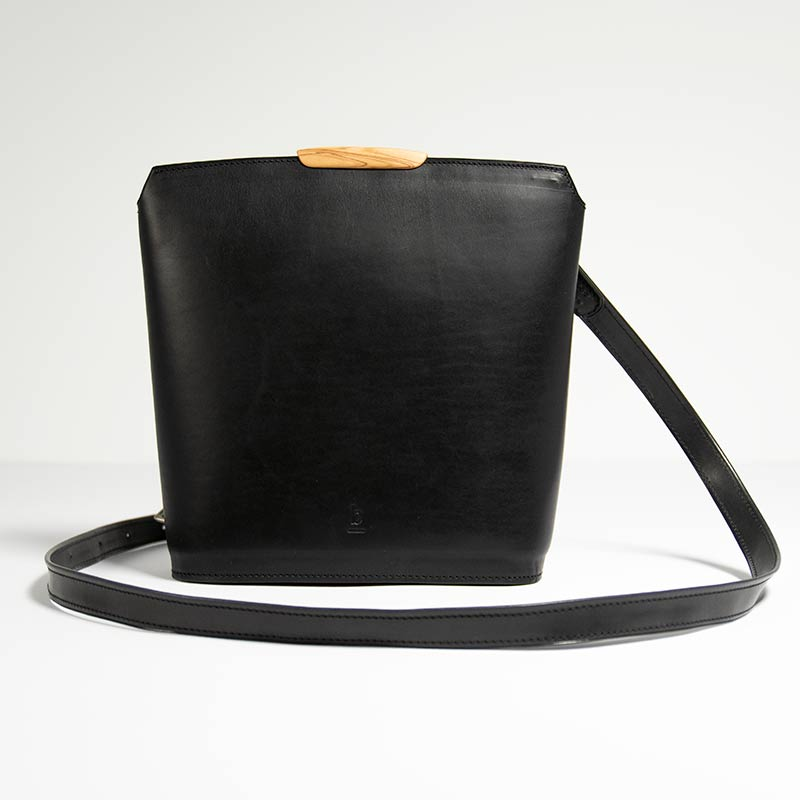Bento-crossbody-black_01