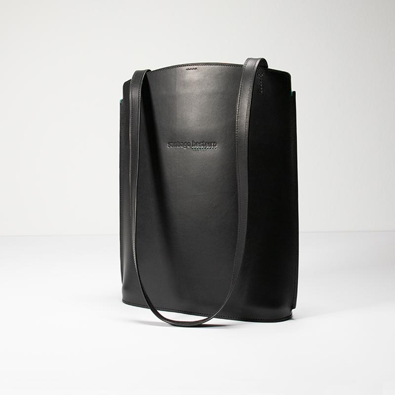BENTO-BASIC-SHOULDER-BAG-02